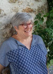 Joelle-embauche-senior-ess-sde